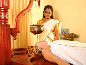 Autentisk Ayurveda i Kadaltheeram - Shirodhara
