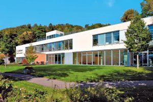 Klinik von Weckbecker, klinik, fastahotell i Tyskland, trädgård, gräs