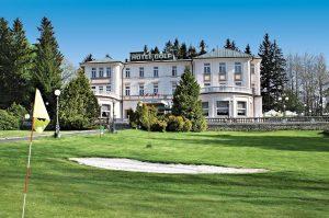 Parkhotel Golf Mariánské Lázně Gräsmatta